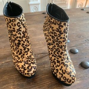 Aldo leopard Stiletto leopard ankle boots